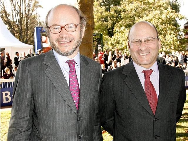 Ngoài ông chủ LV, đây là những tỷ phú hàng hiệu và mỹ phẩm giàu có khác của Pháp - Ảnh 3.