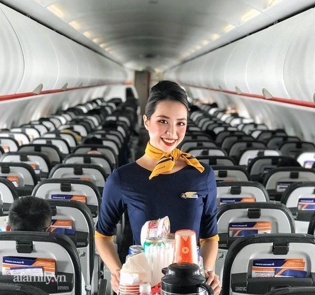 Nhiều tiếp viên hàng không bỗng chơi vơi trong mùa dịch, người bỏ nghề, người ngơ ngác vì mới tốt nghiệp đã phải vội kiếm thêm nghề tay trái - Ảnh 2.