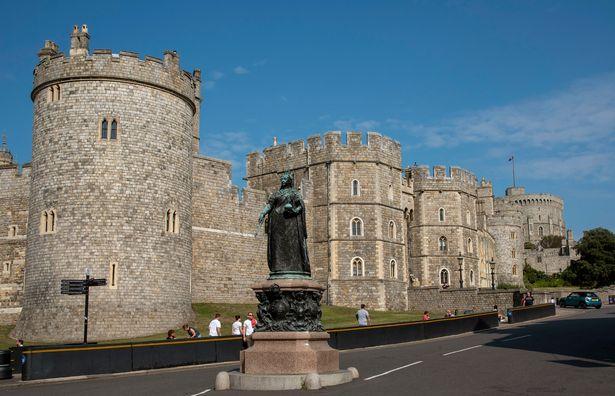 Động thái mới của Nữ hoàng Anh sau khi con gái nhà Harry - Meghan chào đời cho thấy ngay đẳng cấp của bà  - Ảnh 2.
