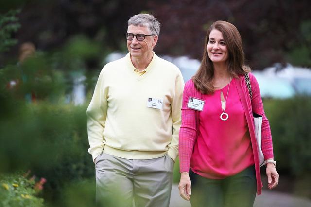 Báo Mỹ tiết lộ sốc về Bill Gates: Đi làm bằng Mercedes nhưng 1 giờ sau lại lái Porsche chở nữ nhân viên đi họp bên ngoài công ty - Ảnh 1.