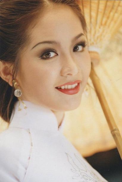 Việt Nam có một hoa hậu hai lần đăng quang, không chỉ xinh đẹp mà học vấn rất đỉnh, nhan sắc sau 25 năm vẫn gây thương nhớ - Ảnh 2.