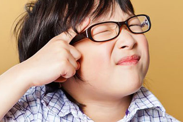 Sốc với lý do khiến tỉ lệ trẻ bị cận thị tăng phi mã: Cách ăn uống đã tiếp tay tàn phá thị lực - Ảnh 2.