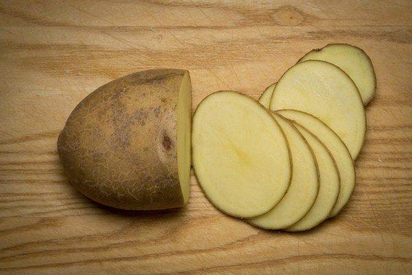 Ngoài khoai tây mọc mầm còn có loại khoai tây khác bạn không được ăn, nếu chủ quan thì tử vong không biết chừng! - Ảnh 2.