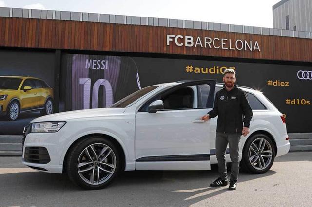 Điểm qua bộ sưu tập xe nghìn tỷ của Lionel Messi, chiếc Ferrari gây ấn tượng khi có giá quy đổi lên đến 850 tỷ đồng - Ảnh 12.