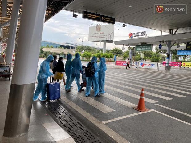 Sân bay Tân Sơn Nhất đã có test nhanh Covid-19 cho hành khách với giá 540.000 đồng/người - Ảnh 3.