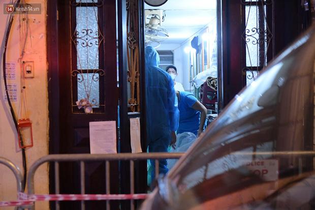 Hà Nội: Phong tỏa, đưa người của khách sạn, quán ăn trên phố Bùi Thị Xuân đi cách ly sau 5 ca dương tính SARS-CoV-2 - Ảnh 7.