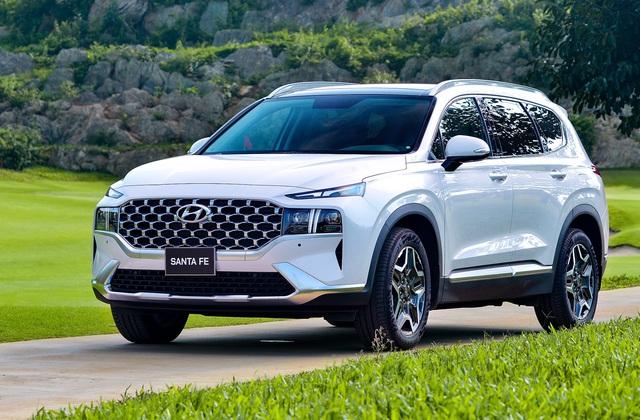 Hyundai bán hơn 5.500 xe trong tháng 6, Accent và Santa Fe vẫn là ngôi sao - Ảnh 1.