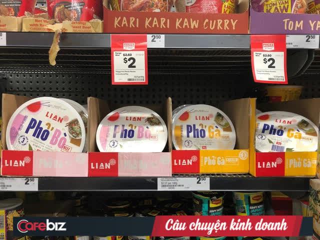"""Công ty Việt bán phở ăn liền tại siêu thị Úc nhưng khiến """"vua phở"""" Lý Quý Trung nhầm tưởng sản phẩm Hàn Quốc: Thương hiệu lạ hoắc, giá đắt gấp 3! - Ảnh 1."""