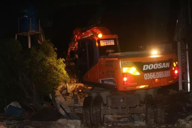 Quảng Ninh: Cháy xưởng lốp trên 4.000m2 gây thiệt hại nặng nề - Ảnh 4.