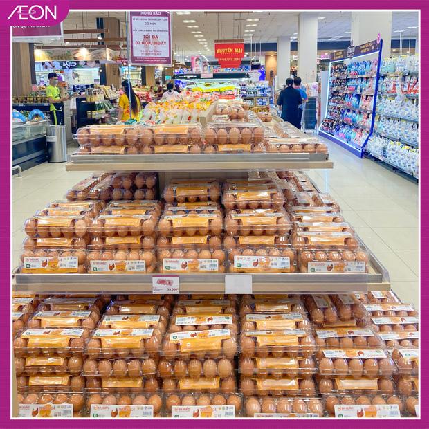 Đại diện AEON Việt Nam nói gì về hình ảnh người đàn ông thu gom 1 xe đầy trứng trong siêu thị? - Ảnh 2.