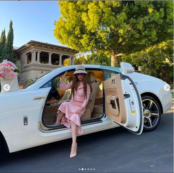 Cuộc sống xa hoa của nữ đại gia gốc Việt trong biệt thự 800 tỷ đồng tại Mỹ: Túi hiệu tậu theo màu, siêu xe cũng sưu tầm toàn cái tên khủng - Ảnh 3.