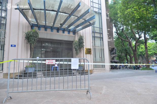 Hà Nội: Phong tỏa tạm thời trụ sở Bộ Công Thương sau khi ca mắc Covid-19 từng đến chuyển công văn - Ảnh 3.