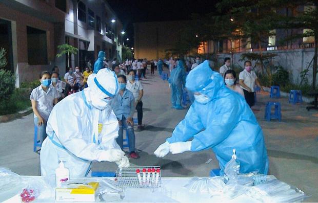 Thêm 4 công nhân nhiễm SARS-CoV-2, Đà Nẵng tạm phong tỏa 4 công ty ở KCN Hòa Khánh - Ảnh 1.