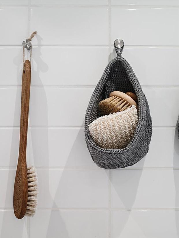 Ai ngờ 6 món đồ quen thuộc trong phòng tắm lại là ổ chứa vi khuẩn, không thay thường xuyên dễ rước bệnh vào người - Ảnh 3.