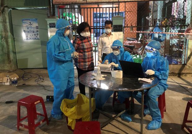 Thêm 4 công nhân nhiễm SARS-CoV-2, Đà Nẵng tạm phong tỏa 4 công ty ở KCN Hòa Khánh - Ảnh 3.