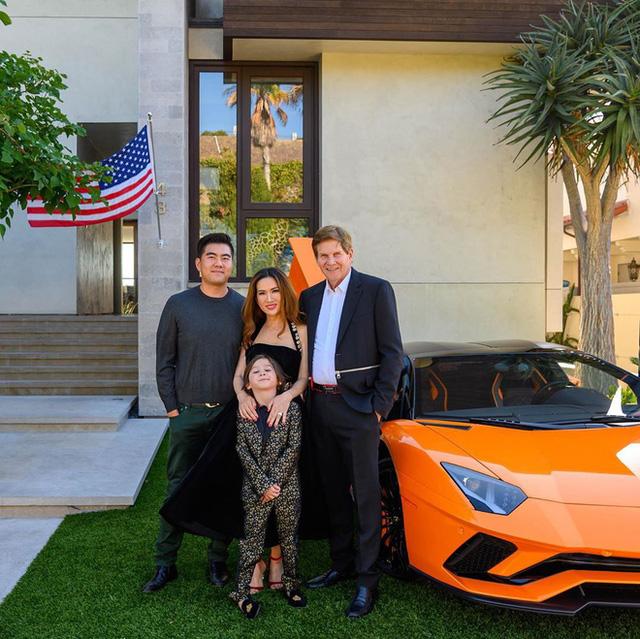 Cuộc sống xa hoa của nữ đại gia gốc Việt trong biệt thự 800 tỷ đồng tại Mỹ: Túi hiệu tậu theo màu, siêu xe cũng sưu tầm toàn cái tên khủng - Ảnh 16.