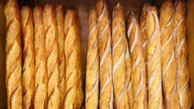 """Bí mật của món ăn gây nghiện nhất nước Pháp: Linh hồn của ẩm thực từ những chiếc bánh """"biết hát"""" - Ảnh 1."""