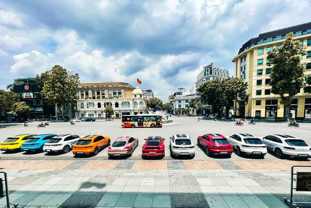 Soi giá dàn xe của hot boy, hot girl tài chính: Đủ loại Mẹc, Porsche giá từ 1,5 tỷ đến 11 tỷ đồng - Ảnh 10.
