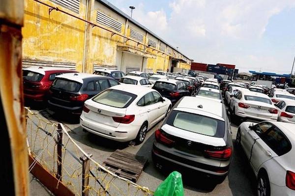 Các ngân hàng ồ ạt rao bán ô tô thanh lý để xử lý thu hồi nợ xấu