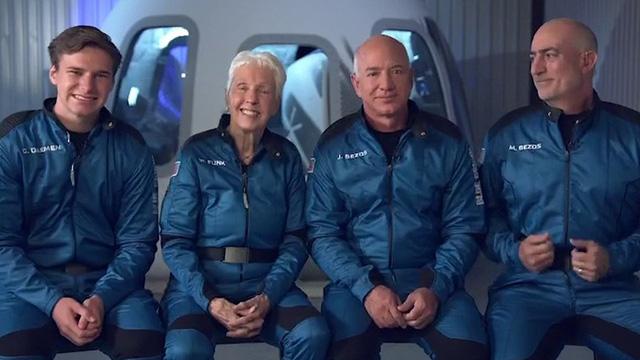 Nguy cơ tỷ phú Bezos gặp nạn trong chuyến bay đầu tiên vào vũ trụ - Ảnh 1.