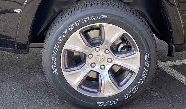 Ram 1500 2021 chính hãng đầu tiên về đại lý tại Việt Nam: Giá dự kiến khoảng 5 tỷ đồng, cạnh tranh Ford F-150 - Ảnh 8.