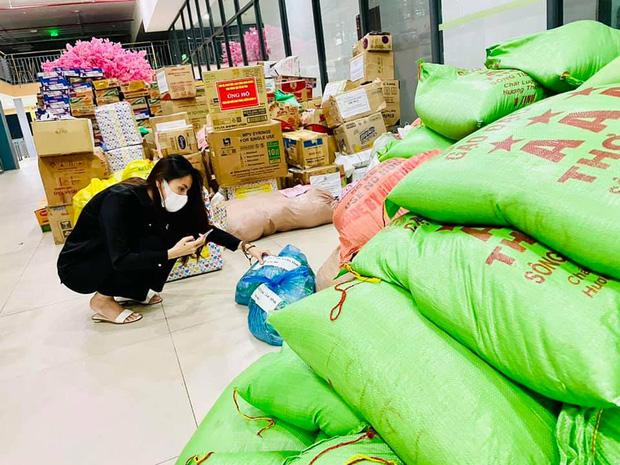 """Thuỷ Tiên bị tố """"nhận vơ"""" cả trăm tấn lương thực người dân Hà Tĩnh tiếp tế cho Sài Gòn, Công Vinh bức xúc lên tiếng phân trần - Ảnh 8."""