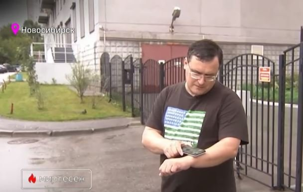 Bác sĩ người Nga cấy 5 con chip vào tay để tận hưởng sự tiện lợi công nghệ: Mở cửa, lưu mật khẩu, chia sẻ thông tin... chỉ bằng một cái cái quẹt tay - Ảnh 2.