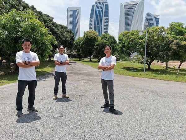 Thấy quá đắt khi phải chi 200 USD cho quả dưa lưới giống Nhật, 3 người nông dân Malaysia mày mò cách trồng và đã thành công: Dưa được thư giãn bằng nhạc cổ điển, mát-xa mỗi ngày  - Ảnh 8.