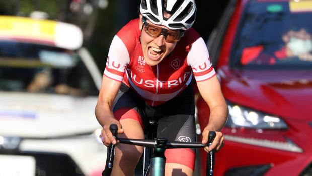 Chân dung khó tin của cô gái giành huy chương vàng đua xe đạp Olympic Tokyo: Tiến sĩ toán đi đua xe và trở thành nhà vô địch tuyệt đối - Ảnh 2.