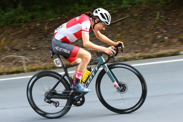 Chân dung khó tin của cô gái giành huy chương vàng đua xe đạp Olympic Tokyo: Tiến sĩ toán đi đua xe và trở thành nhà vô địch tuyệt đối - Ảnh 3.