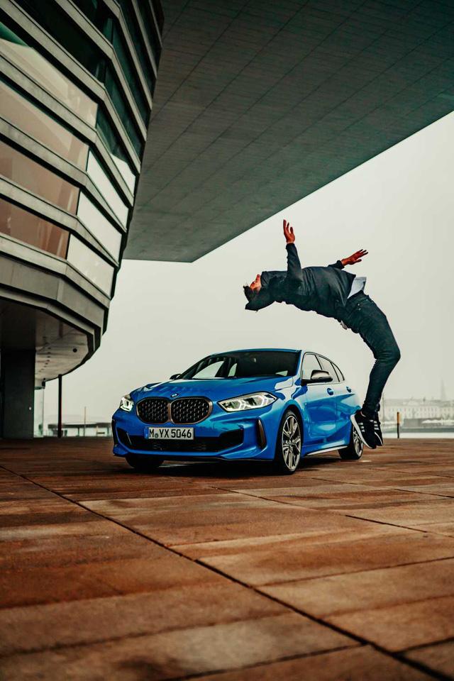 TikTok-er thế giới khoái nhất khoe BMW và Audi, còn Mercedes-Benz của các chủ tịch lại lặn mất tăm - Ảnh 2.