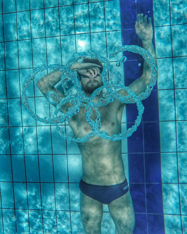 16 hình ảnh cơ thể vượt giới hạn của các VĐV Olympic, bạn sẽ có cái nhìn rõ nét hơn về nỗ lực cả đời của họ - Ảnh 8.