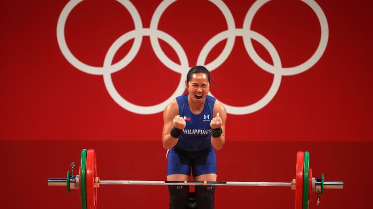 Các VĐV Olympic nhận thưởng bao nhiêu khi giành HCV? Mỹ treo thưởng 863 triệu nhưng chỉ bằng 1/20 so với Singapore - Ảnh 1.