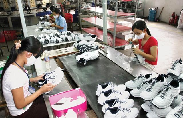 Doanh nghiệp kỳ vọng được giảm thuế, phí trong gói hỗ trợ 24.000 tỷ đồng - Ảnh 1.