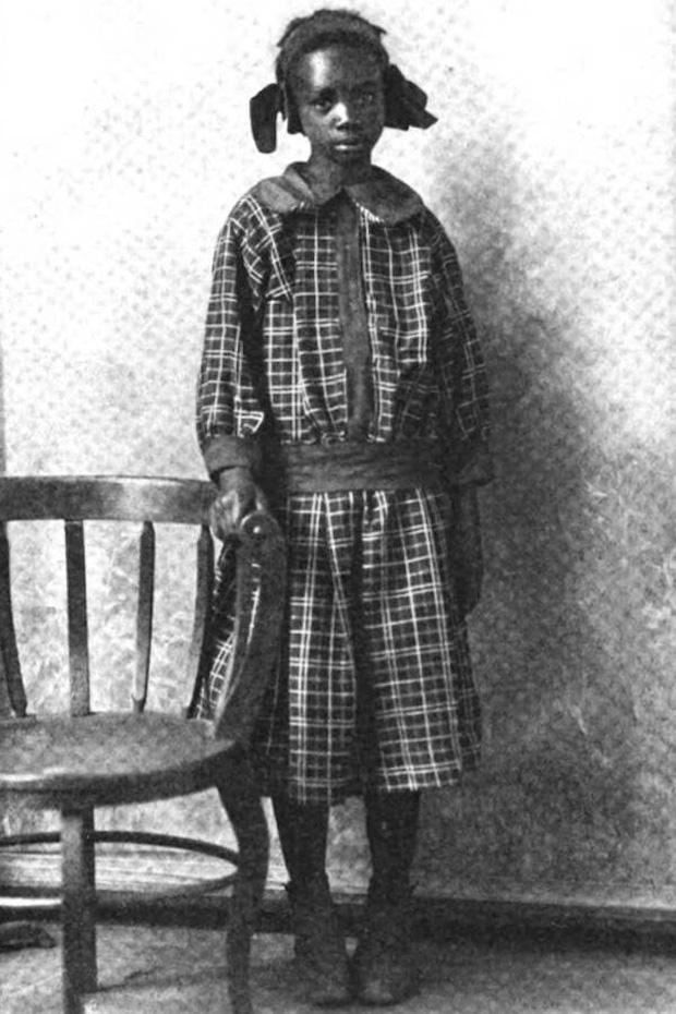 Được cấp cho mảnh đất sỏi đá còn bị cấm bán, đứa trẻ 11 tuổi nhanh trí tận dụng rồi trở thành bé gái da màu giàu nhất nước Mỹ - Ảnh 1.