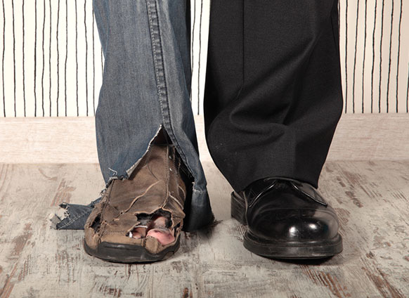 Hội chứng Người giàu khốn khổ: Tại sao người giàu vẫn làm việc quần quật và luôn cảm thấy thiếu tiền, thậm chí có xu hướng trốn thuế, ăn trộm mà chẳng bao giờ thực sự hạnh phúc? - Ảnh 1.