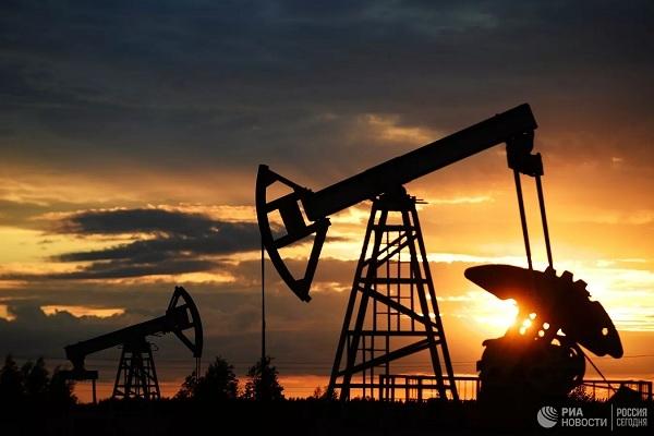 Chuyên gia dự báo 'sốc' về giá dầu năm 2022 - Ảnh 1.