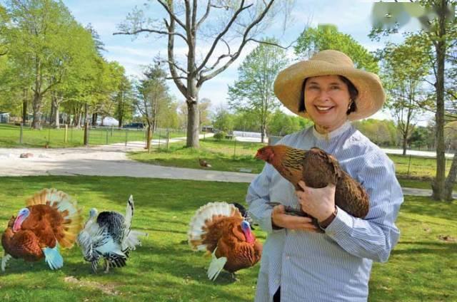 Ly hôn và thất nghiệp ở tuổi 44, nữ minh tinh về quê làm ruộng, nuôi gà; 20 năm sau, cô trở lại như một nữ thần và khiến cả thế giới phải kinh ngạc! - Ảnh 6.