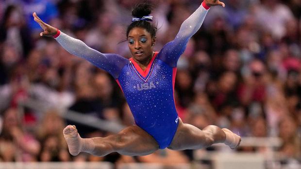 Biểu tượng thể thao Mỹ gây chấn động khi bỏ cuộc ở Olympic Tokyo 2020: Giọt nước mắt sau bao năm kìm nén từ quá khứ bị lạm dụng tình dục - Ảnh 2.