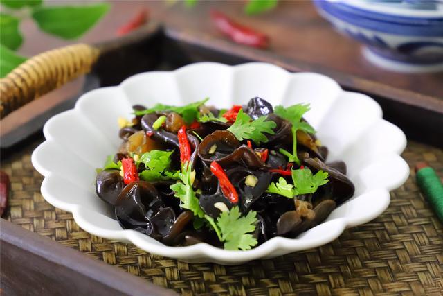 Món ăn quen thuộc giàu sắt gấp 20 lần rau cần, 7 lần gan lợn, dùng để thải độc ruột, giảm cân vô cùng hiệu quả - Ảnh 2.