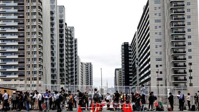 Olympic Tokyo: Sẽ an toàn hay là sự kiện siêu lây nhiễm? - Ảnh 2.