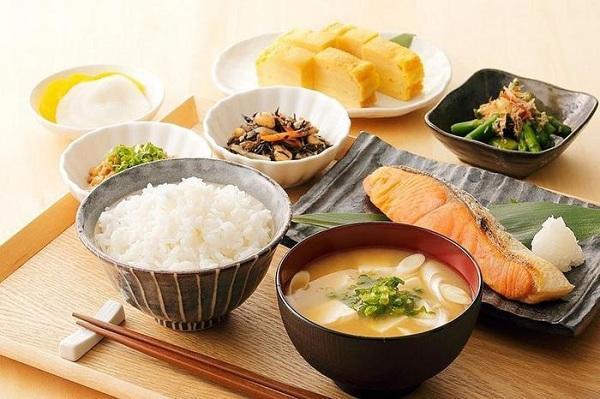 Ăn nhiều tinh bột nhưng tỷ lệ béo phì tại Nhật chỉ có 3%, lại sống thọ nhất thế giới, cách họ tiêu thụ thực phẩm rất đáng học hỏi  - Ảnh 4.