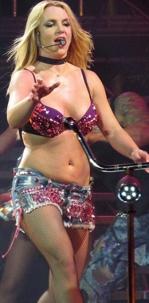 Bản điều tra lần đầu công bố loạt sự thật về quyền bảo hộ Britney Spears: Bị bố ruột chửi bới thậm tệ, muốn bên con nhưng bị áp giải như sát nhân  - Ảnh 5.