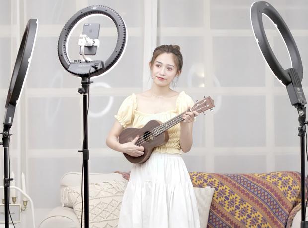 Ngôi làng không ngủ sản sinh ra hàng loạt nữ thần livestream đình đám ở Trung Quốc: Mảnh đất vô danh từng bước thay máu xô đổ kỷ lục bán hàng online của Taobao - Ảnh 1.