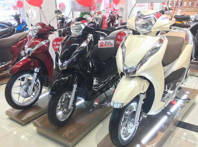 Xe máy ế ẩm, giá Winner X lao dốc gần 13 triệu, Honda SH, Vision…  giảm sốc - Ảnh 1.