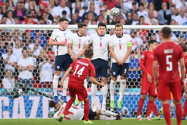 Đánh bại Đan Mạch bằng quả phạt đền gây tranh cãi, tuyển Anh lần đầu tiên trong lịch sử lọt vào trận chung kết Euro - Ảnh 1.