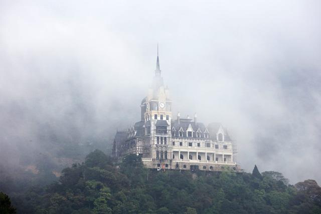 Bất ngờ với ông chủ lâu đài khủng Tam Đảo, nhiều năm ẩn mình thâu tóm quỹ đất trải dài từ Hà Nội, Sapa, Hòa Bình...đến Khánh Hòa - Ảnh 7.