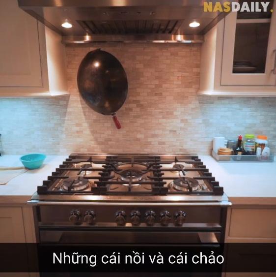 Vua đầu bếp Mỹ gốc Việt - Christine Hà hiếm hoi hé lộ căn bếp và cách sắp xếp vị trí từng lọ gia vị hoàn toàn khác với người bình thường - Ảnh 4.