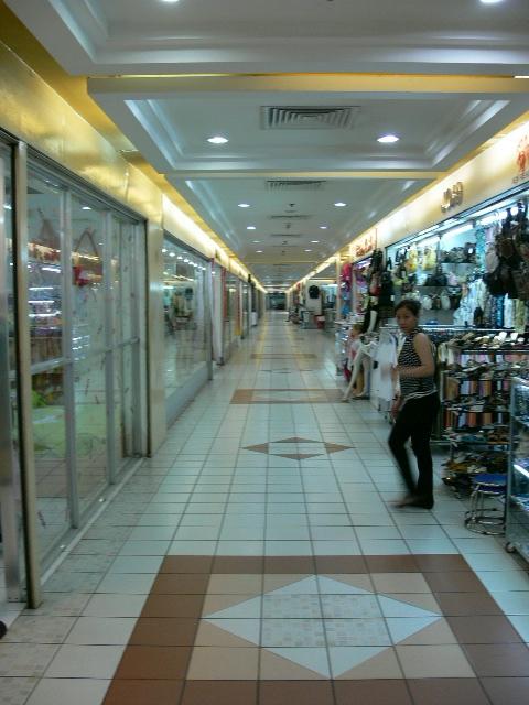 """Thuận Kiều Plaza từng sở hữu nhiều cái """"NHẤT"""", trong đó có một thứ khiến người Sài Gòn một thời """"đi đâu cũng ngước cổ lên trời"""" - Ảnh 6."""