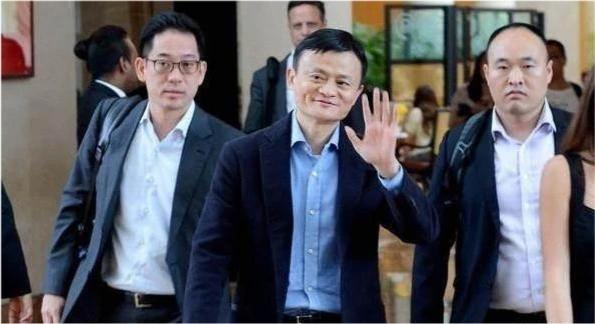 Cựu vệ sĩ riêng của Jack Ma: Vô địch Thái Cực Quyền toàn quốc, mức lương mơ ước của hàng triệu người, sẵn sàng bỏ mạng vì chủ giờ ra sao? - Ảnh 2.